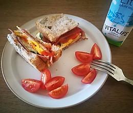 全麦核桃鸡蛋三明治懒人营养餐的做法