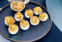 金枪鱼蛋黄玉米沙拉鸡蛋杯的做法
