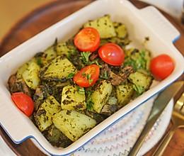 3步骤懒人烤箱菜,罗勒青酱培根土豆#硬核菜谱制作人 #的做法