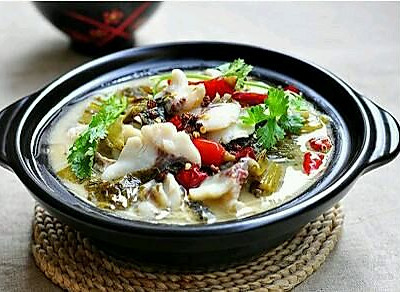 自己烹饪酸菜鱼竟然比酒店的还好吃?怎么可能!
