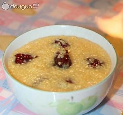 养胃的,红枣小米粥的做法