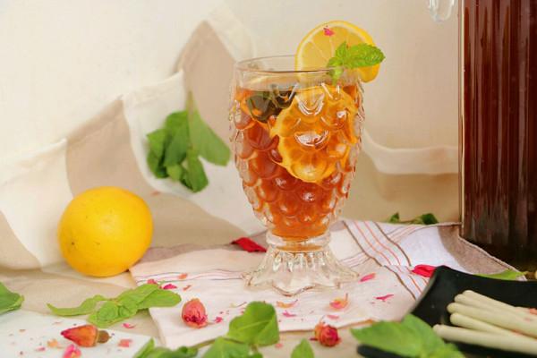 玫瑰柠檬冰红茶的做法