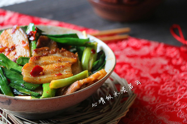 蒜苗回锅肉的做法