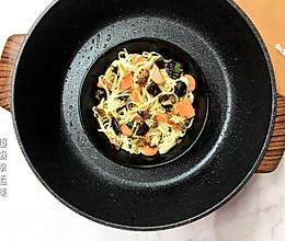 黑蒜XO酱干捞面的做法