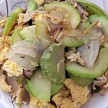 西葫芦香菇白菜帮子炒鸡蛋