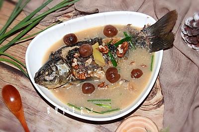 桂圆核桃鲫鱼汤