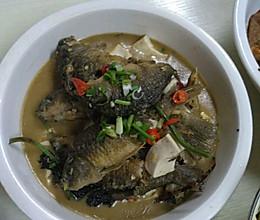 白豆腐焖禾花鱼的做法
