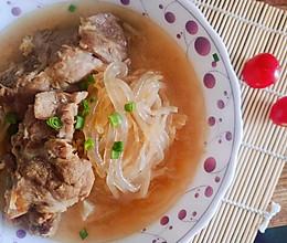 #美食视频挑战赛# 东北酸菜炖排骨的做法
