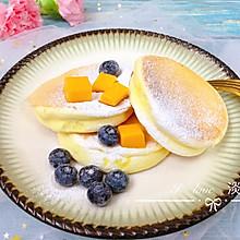 #换着花样吃早餐#享受不甜不腻的松软---平底锅版舒芙蕾松饼