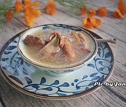 牛肝菌猪骨汤的做法
