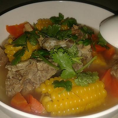 玉米大骨汤