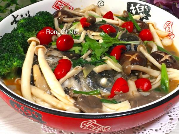家常川味菜:菌菇泡椒鱼头的做法