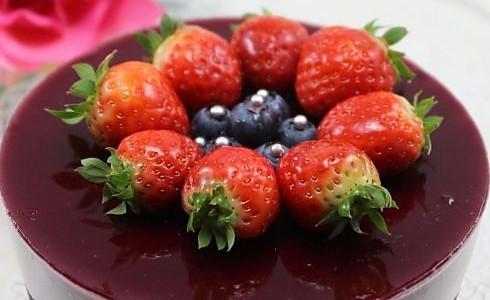 不用烤箱一样做出清新浪漫的生日蛋糕 --- 蓝莓芝士蛋糕的做法