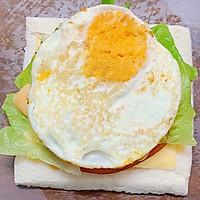 #一人一道拿手菜# 培根三明治的做法图解8
