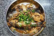 鲜上加鲜~鲫鱼鲜蘑炖豆腐的做法