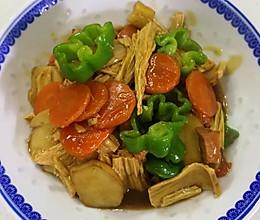 腐竹慢炖杏鲍菇的做法