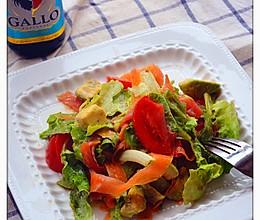 橄露Gallo经典特级初榨橄榄油试用之三文鱼牛油果蔬菜沙拉的做法