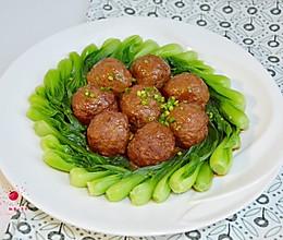 红烧猪肉莲藕丸子的做法