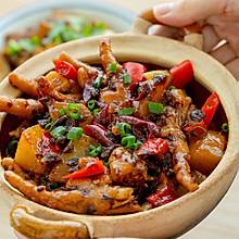 #肉食者联盟#芽菜酱鸡脚煲|咸鲜微辣