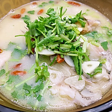 熬出一锅浓白的鱼汤 清炖罗非鱼