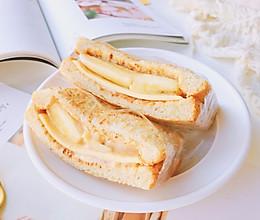 花生酸奶蕉泥三明治的做法