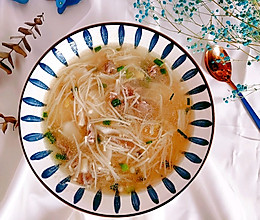 #助力高考营养餐#金针菇牛肉粘米粉团汤的做法