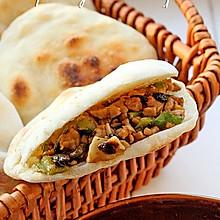 三伏天不想做饭时的简便一餐--青椒碎米肉夹馍