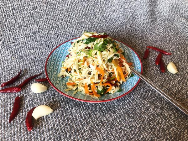 夏季开胃菜#炝拌干豆腐的做法