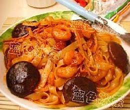 韩式虾仁炒河粉的做法