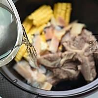 夏季长个高-牛骨响螺玉米汤的做法图解3