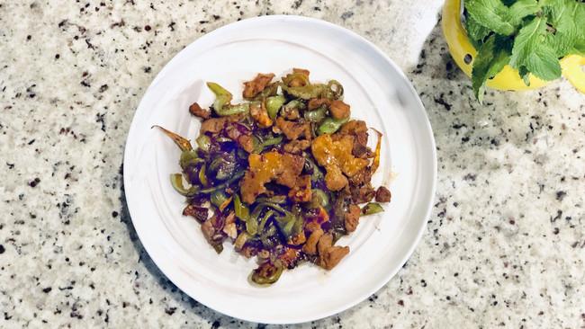 干煸青椒肉片#春天肉菜这样吃#的做法