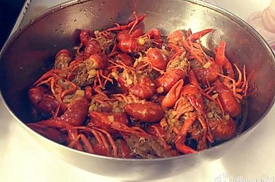 美味蒜蓉小龙虾