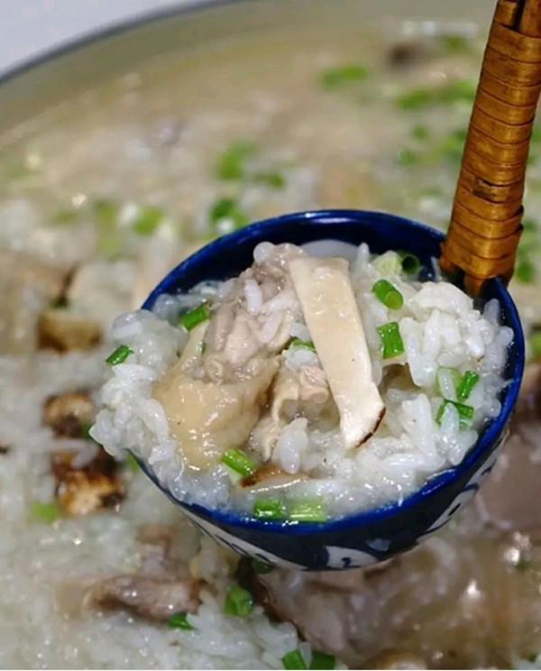 松茸鸡汤饭的做法