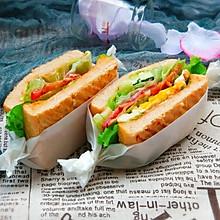鸡蛋培根三明治
