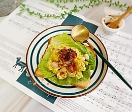 #今天吃什么#虾仁滑蛋三明治的做法