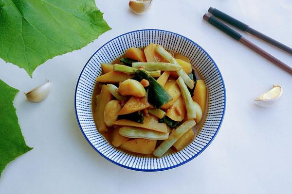 酱烧白芸黄土豆的做法
