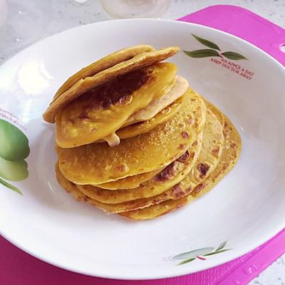 宝宝辅食:香蕉胡萝卜鸡蛋饼(适合8个月以上的宝宝)