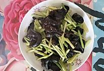 芹菜炒木耳的做法