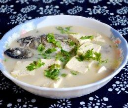 初秋养生汤——鲫鱼豆腐汤的做法