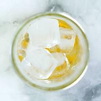 夏日蜂蜜水果冷泡茶的做法图解3