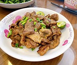 #美食视频挑战赛#煎猪梅肉的做法