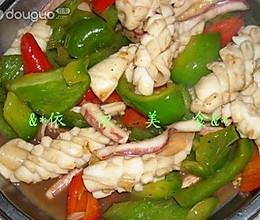 青红菜椒炒鲜鱿鱼的做法