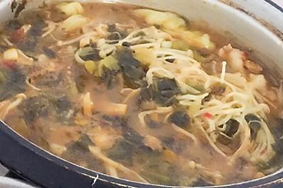 酸菜金针菇涮肉片