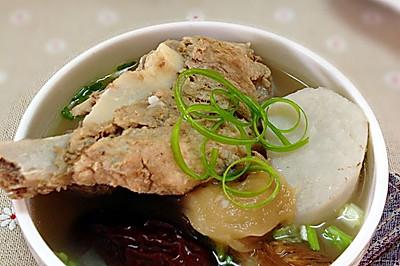 猴头菇芋奶大骨汤——冬季暖身