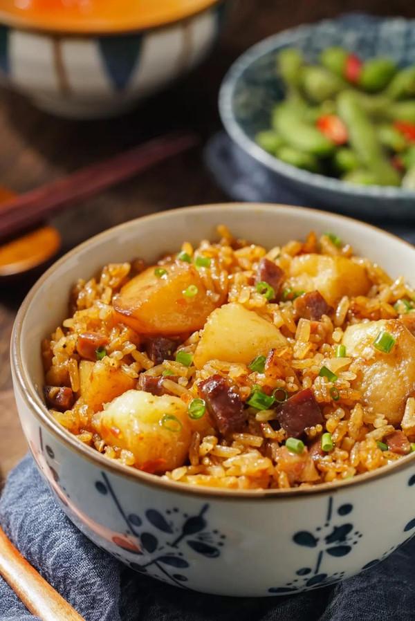 电饭煲土豆火腿焖饭