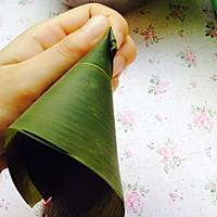 想学包端午粽子的一定要看看--超详细包四角碱水粽步骤的做法图解9