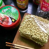 泡菜火锅面的做法图解3