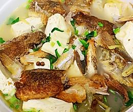 沙光鱼炖豆腐的做法
