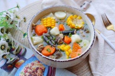 营养滋补 健脾暖胃的山药炖鸡汤