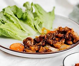 生菜配香烤五花肉的做法